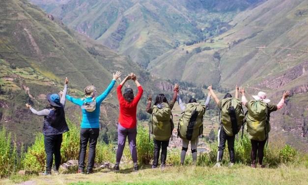 The women porters making history on Peru's Inca Trail