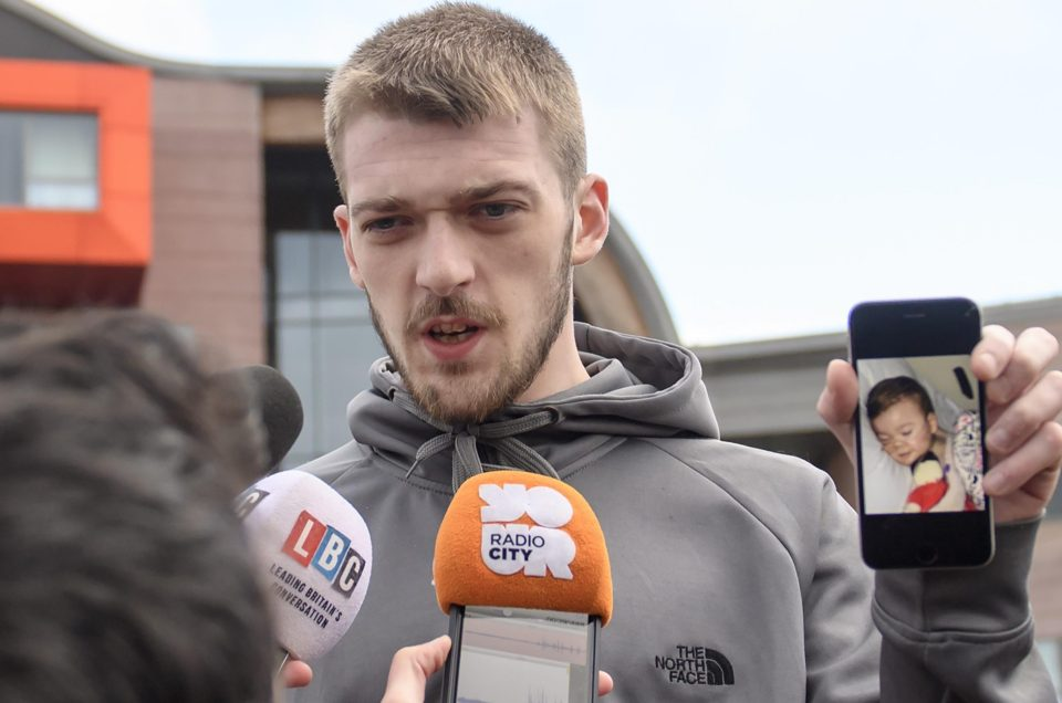 Tom Evans, Alfie Evans, Alder Hey, Children, Hospital, Supporters, Support, Kid