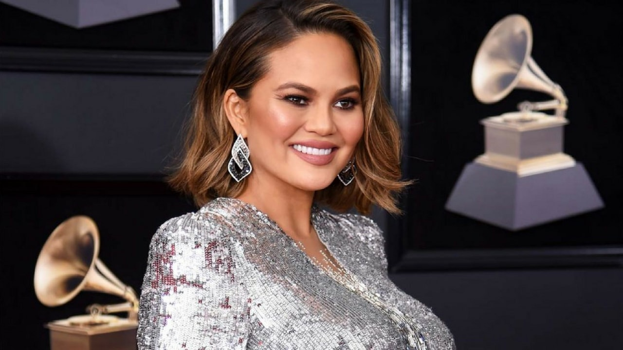 Chrissy Teigen Showed How the Breasts of Breastfeeding Mothers Look