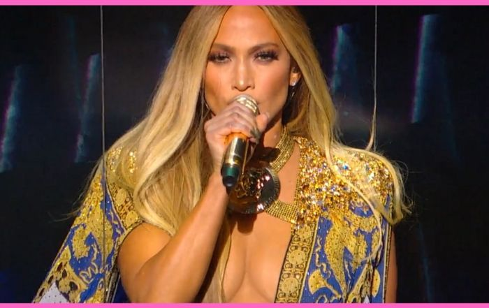 Jennifer Lopez is Sued for Using Photo on Instagram