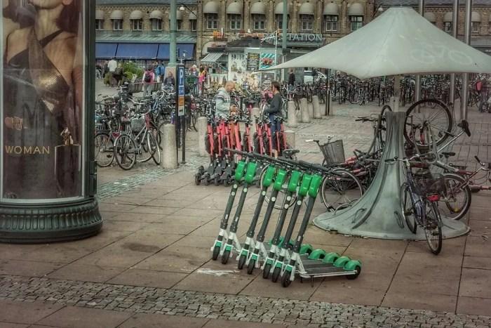 E-Scooter: Gravierende Lücken im Kleingedruckten