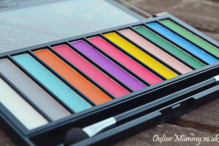 Makeup Revolution Matte Brights Eyeshadow Palette
