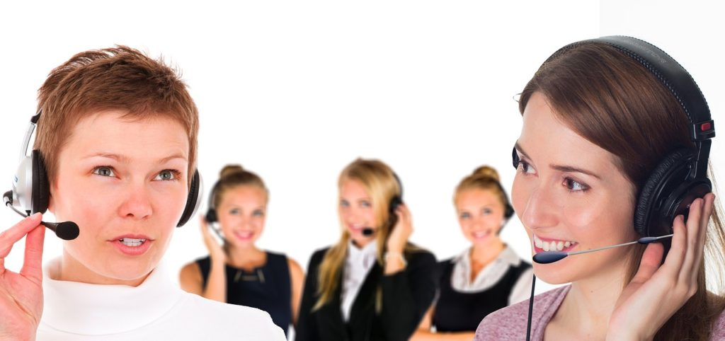 call center 2944063 1280 1024x482 - Advantages of Telemarketing for Small Businesses