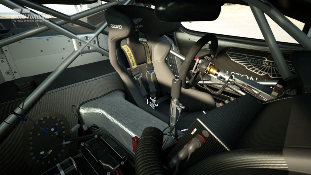 The interior of the 2010 Aston Martin DBR9 GT1 looks great in Gran Turismo Sport