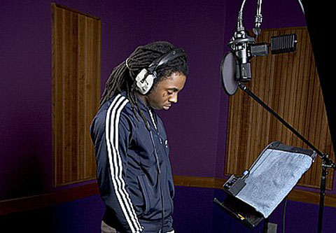 https://i0.wp.com/www.onlygoodmovies.com/blog/wp-content/uploads/2010/09/lil-wayne-recording.jpg