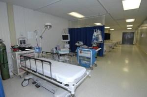 Guantanamo_captive's_hospital_beds_