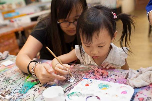 Glass crafting and colouring for kid