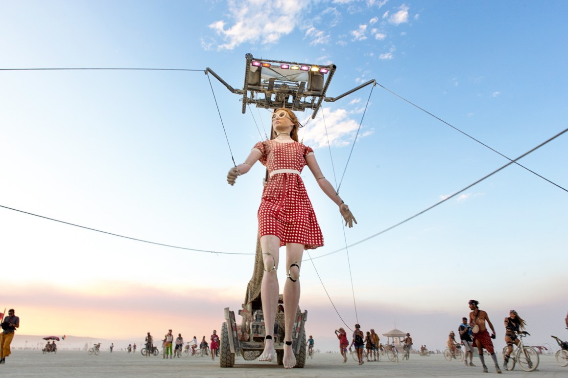 40 pictures that reveal the magic of burning man only techno. Black Bedroom Furniture Sets. Home Design Ideas