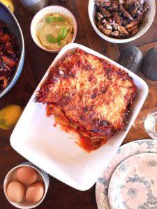 gratin de pommes de terre, aubergine et olives vertes