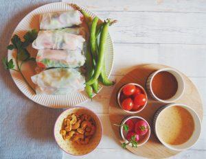 Rouleau de printemps et sauce tamari sucrée-salée