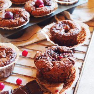 Muffins au chocolat et fruits rouges