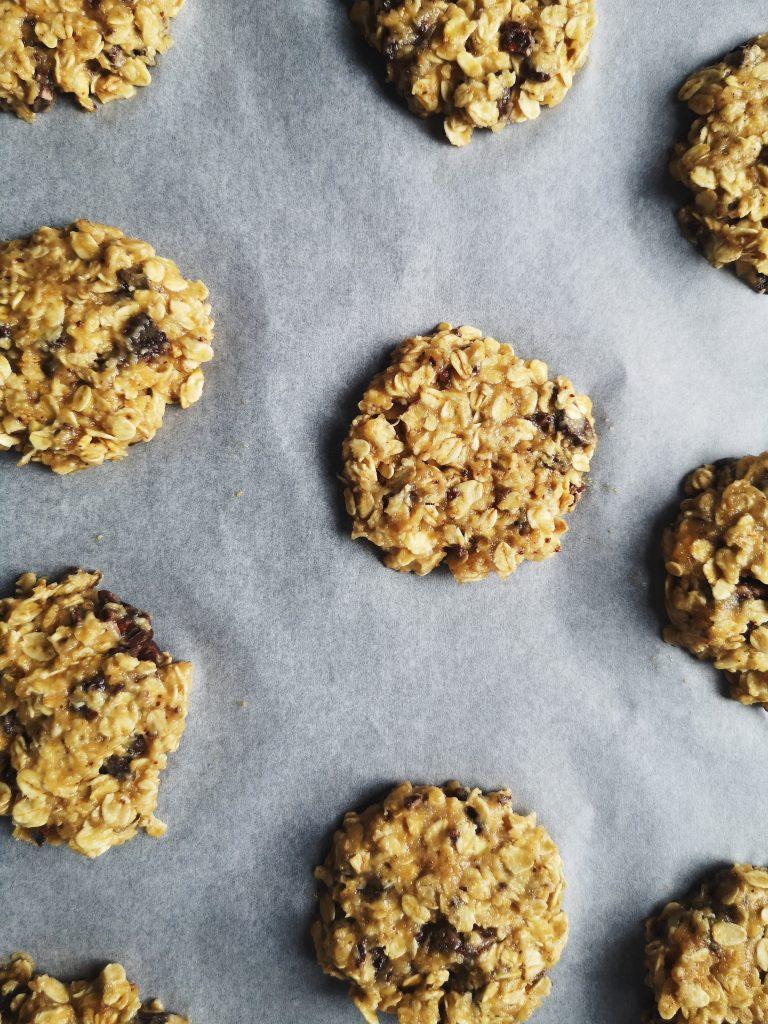préparation cookies aux flocons d'avoine et au chocolat - Recette simple