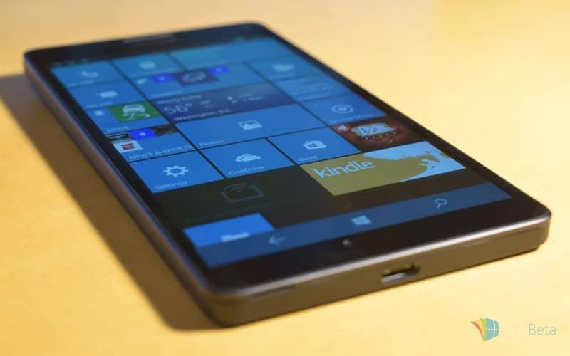 Lumia-950-XL-bottom