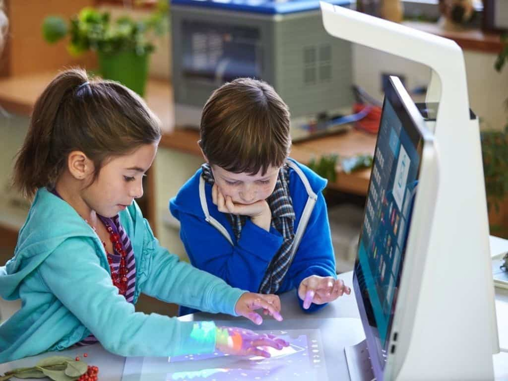 """Microsoft helps """"Reinvent the Classroom"""" with new HP Education"""