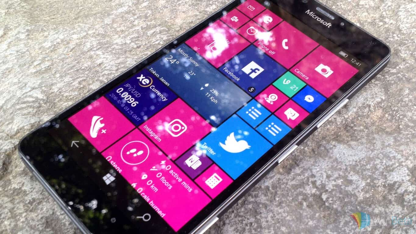 Windows 10 Mobile on Lumia 950