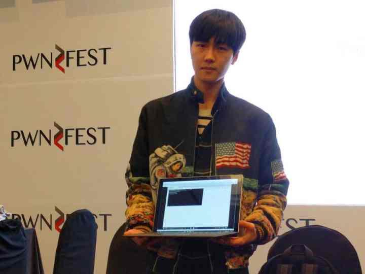 Junghoon Lee, aka LokiHardt, shows his successful Edge exploit. Darren Pauli / The Register.