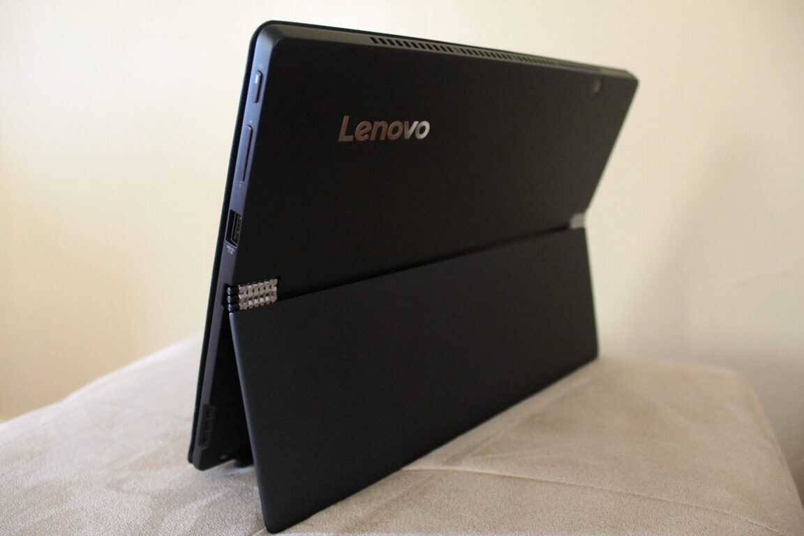 Lenovo Miix 720 Windows 10 2-in-1 review, is it a Surface
