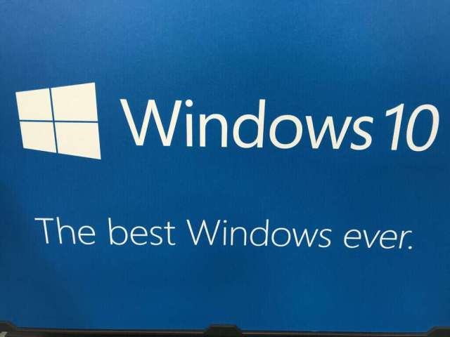 Windows 10 news recap: replacement program for Surface Pro 4's