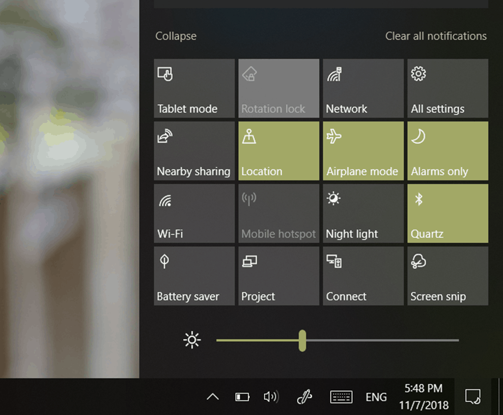 See the new brightness slider in action: Windows 10 19H1 Build 18277