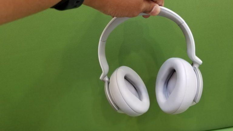 Surface Headphones Controls