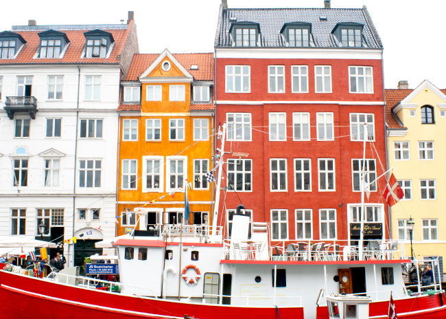 The bright colors of Nyhavn
