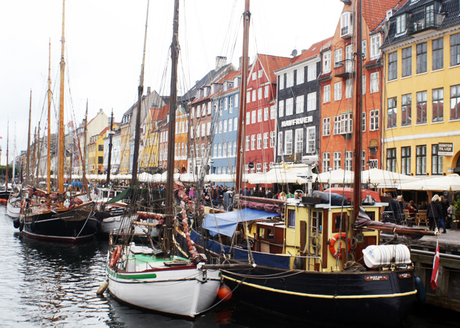 Nyhavn - so pretty!