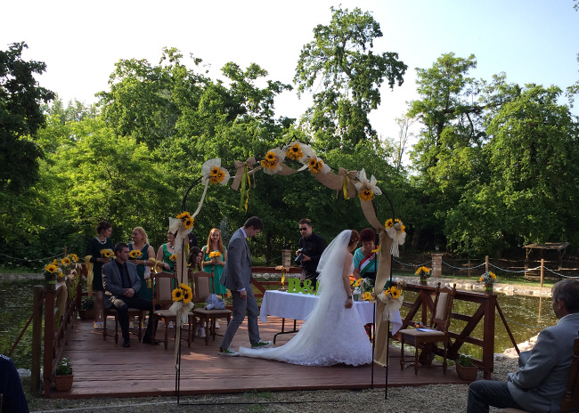 Nora and Balint got married!