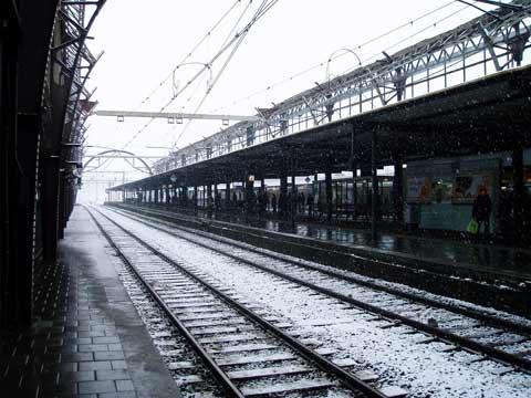 Sneeuw op station Utrecht CS