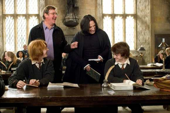 Behind-the-scenes-of-Harry-Potter-Alan-Rickman-severus-snape-16080595-2560-1707