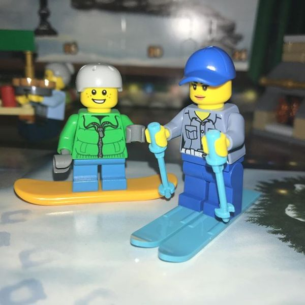 Yesterday (busy day for us) in #legocityadvent skiing Mummy arrived for snowboard boy