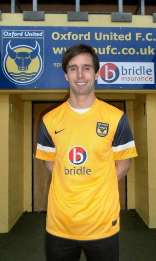Mark Wilson signs for Oxford United