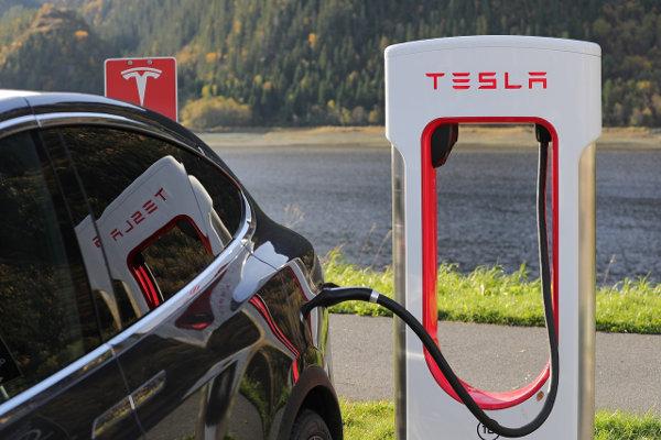 Tesla battery charging