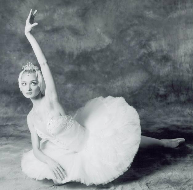 Irina Kolesnikova as Odette. 0004