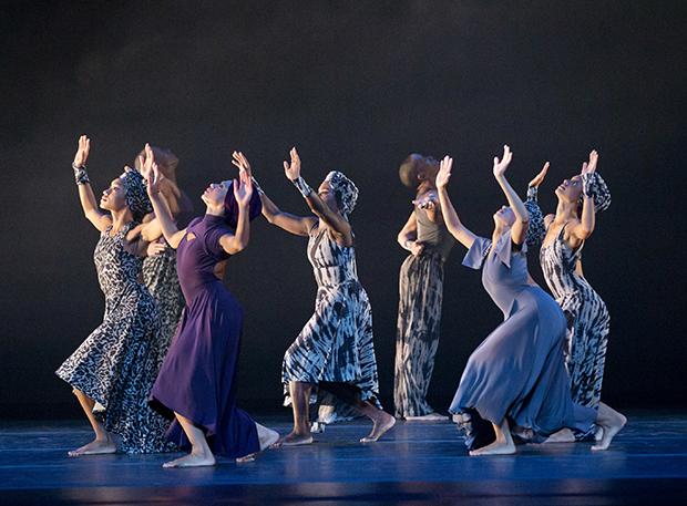Four Corners Choreography by Ronald K. Brown Alvin Ailey American Dance Theater Credit Photo: Paul Kolnik studio@paulkolnik.com