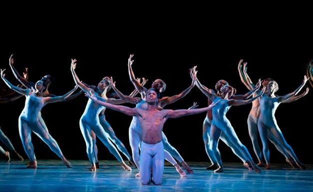 The River Choreography: Alvin Ailey Alvin Ailey American Dance Theater Credit Photo: Paul Kolnik studio@paulkolnik.com