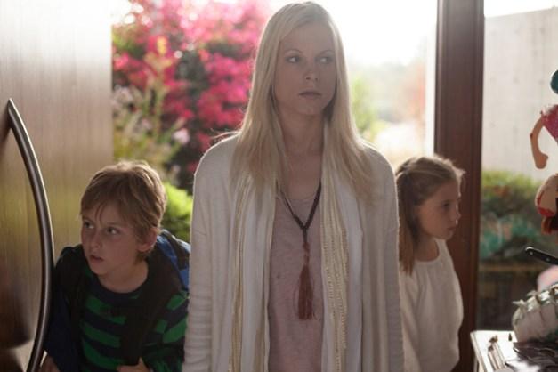 vignette_KK 175 - Daniel Bailey (Jake), Ignacia Allamand (Karen), Megan Bailey (Lisa)