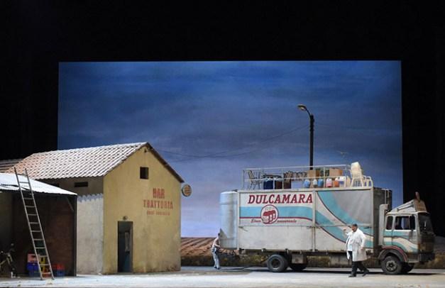 Vincent-Pontet---Opera-national-de-Paris-L-Elisir-d-amore-15-16--c--Vincent-Pontet---OnP--10--1600