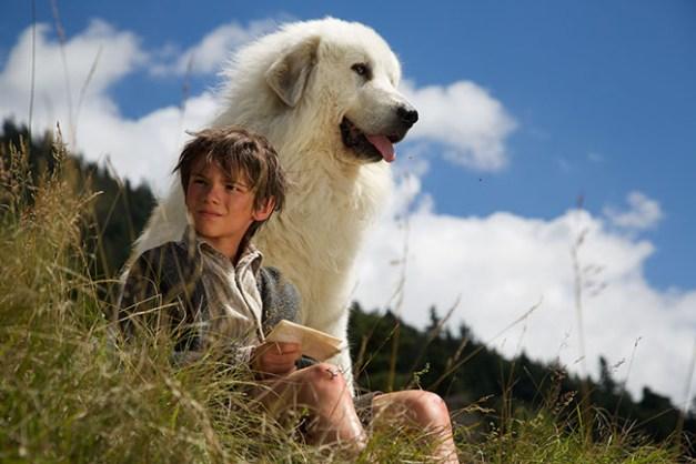 Film Belle et Sébastien, l'aventure continu... Réalisé par Christian DUGAY. Pierre éclate de rire. Pierrelongue - 08/08/2014