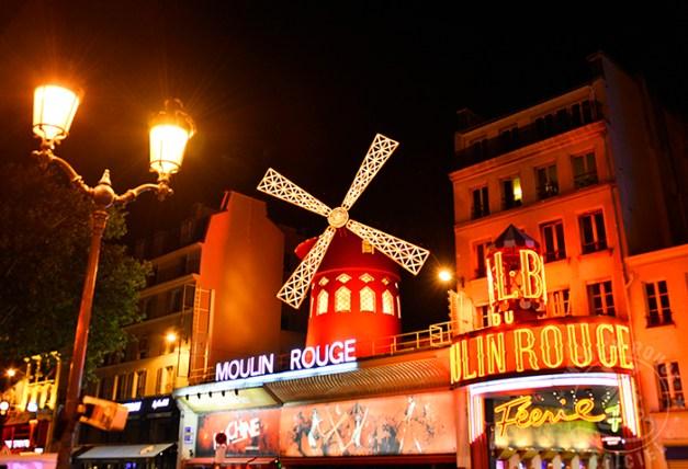 Façade nuit©Moulin Rouge® - S.Bertrand