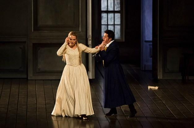 Emilie_Brouchon___Opera_national_de_Paris-2015-16-WERTH-225-1600