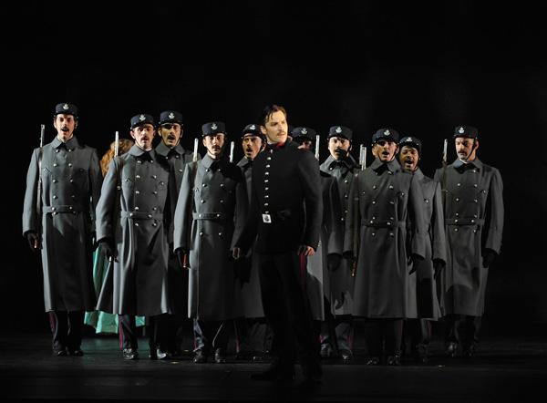 Passion 10 - Ryan Silverman (Giorgio Bachetti) - ©Théâtre du Châtelet - Marie-Noëlle Robert