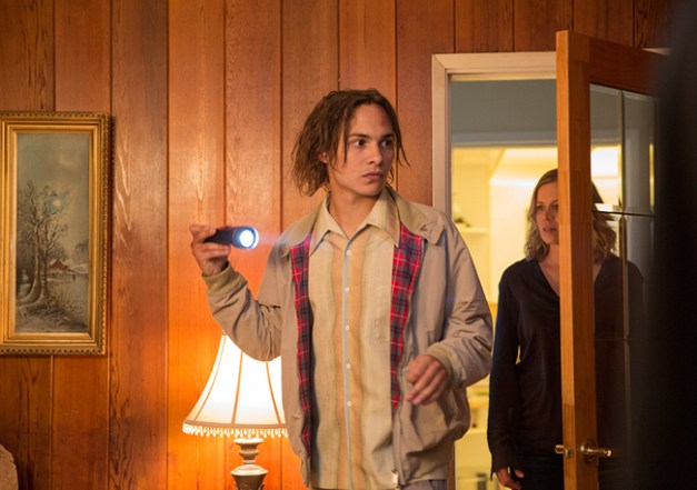 fear-the-walking-dead-episode-103-madison-dickens-3-935