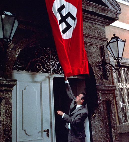 christopher-plummer-drapeau-nazi