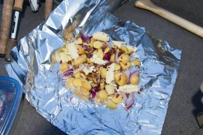 potatoes and onions in tinfoil - backcountry camping recipies