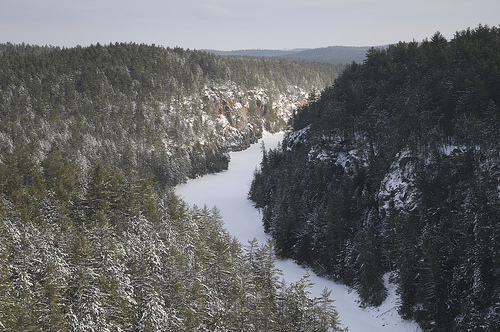 Winter hiking in Algonquin - Barron River, Barron Canyon