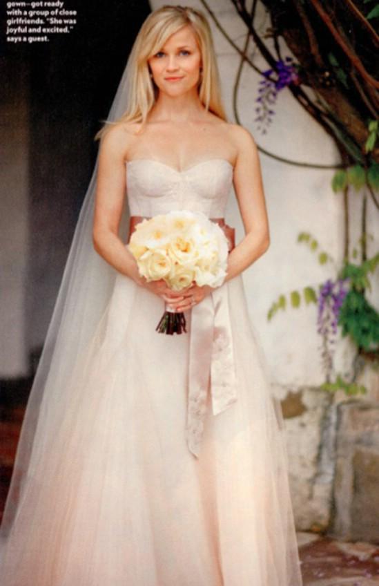 اجمل فساتين زفاف المشاهير