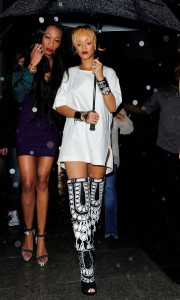 03-Rihannas-Cuckoo-London-Nightclub-Tom-Ford-Fall-2013-Black-and-White-Printed-Peep-Toe-Over-the-Knee-Boots