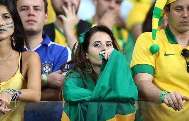 ردة فعل مؤلمة لمشجعي منتخب البرازيل بعد خسارتهم الفادحة أمام ألمانيا (3)