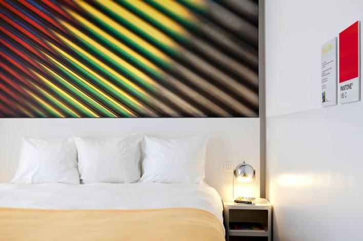 الغرفة الملونة