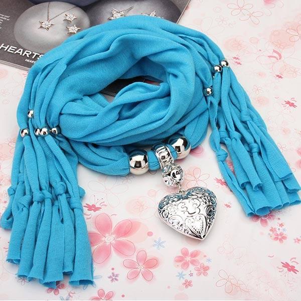 الوشاح الأزرق
